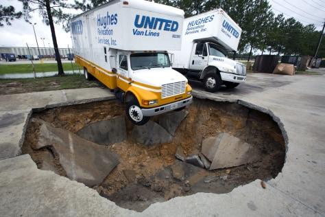 Image: Truck in sinkhole