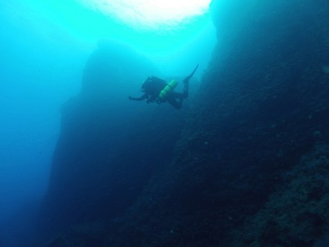 Image: Divers explore site of the Antikythera wreck