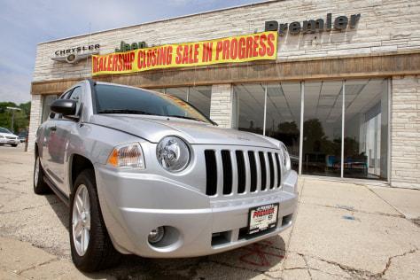 Image: Chrysler dealership closing