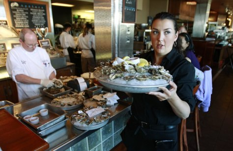 Image: Waitress with oysters