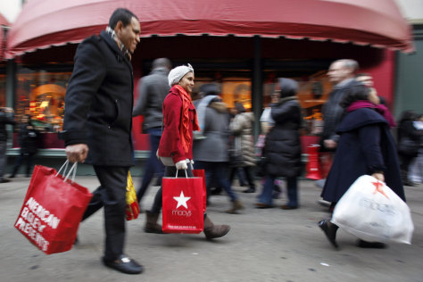 Image: Holiday shoppers on 34th Street in New York
