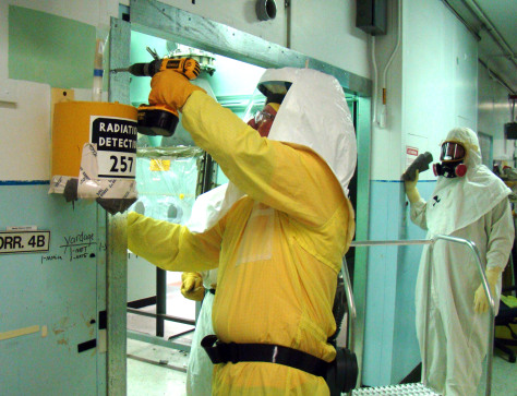 Image: Workers at the Dept. of Energy Hanford Site,