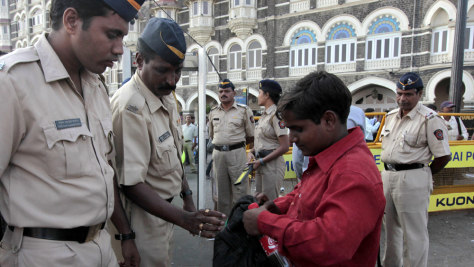 Image: Indian police officers near Taj Mahal hotel