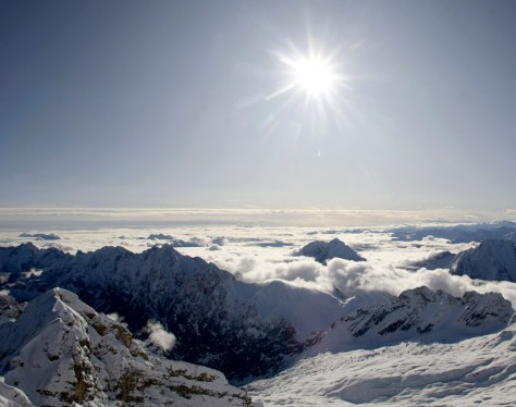 Image: General over view at Germany's highest mountain, Zugspitze