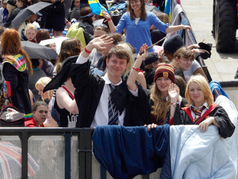 Image: Harry Potter fans gather at Trafalgar Square