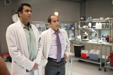 Image: Kal Penn (L) and Peter Jacobson (R).