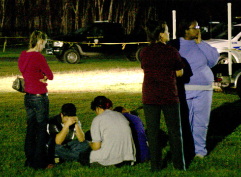Image: families grieve after crash
