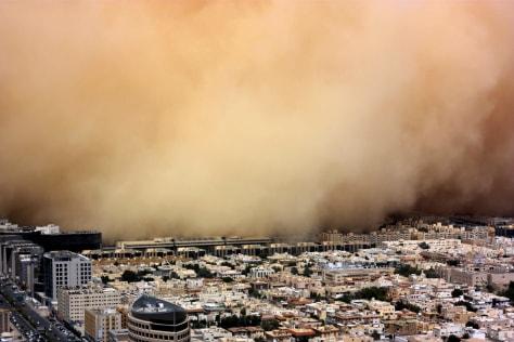 Image: Sandstorm engulfs Riyadh