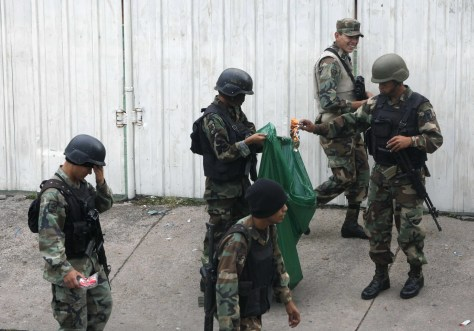 Image: Soldiers in Tegucigalpa, Honduras