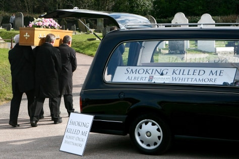 Image: Coffin of life-long smoker