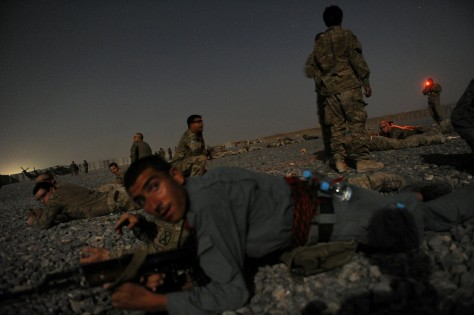 Image: Afghan security forces and US soldiers in Kandahar, Afghanistan