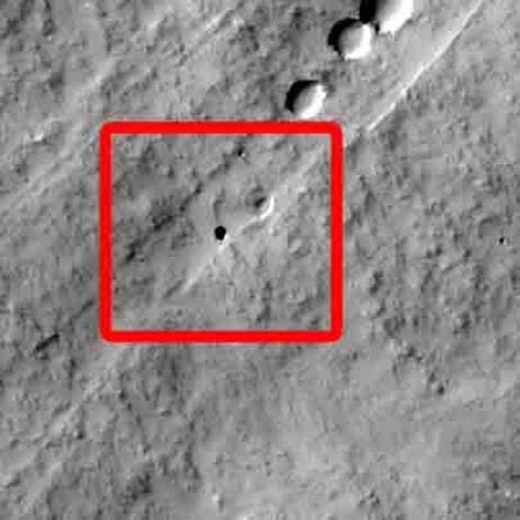 Image: Martian pit
