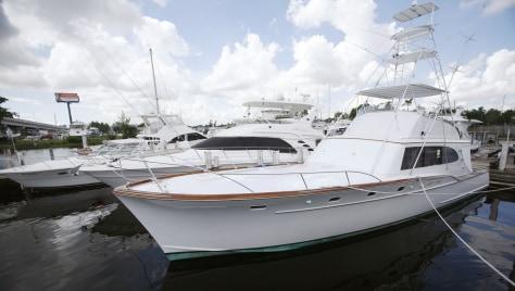 "Image: Bernard Madoff's boat, ""Bull"""