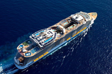 Image: Oasis of the Seas
