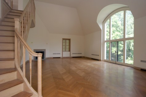 Great room with arched windows
