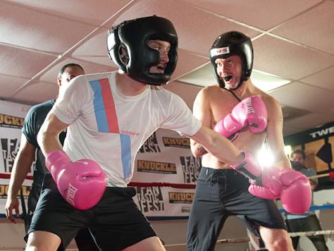 Dominic Monaghan elijah wood boxing