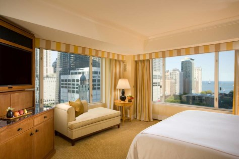 Image: Peninsula Chicago hotel suite