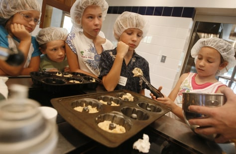 Image: Kids cooking
