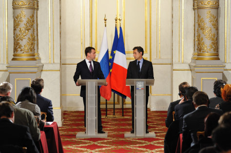 Image: Sarkozy and Medvedev