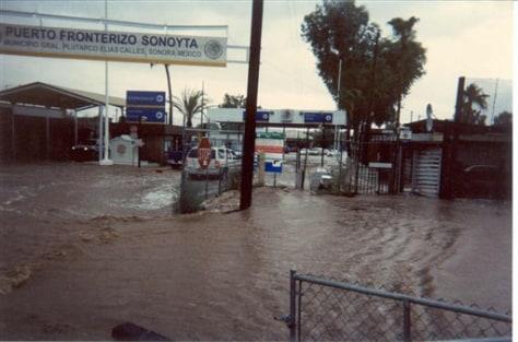 Image: Flooding along border