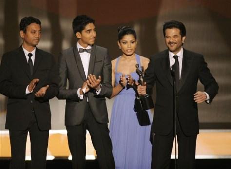 "Image: ""Slumdog Millionaire"" cast at SAG Awards"