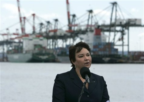 Image: EPA chief at Port Newark
