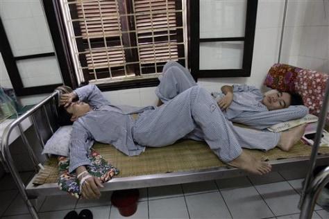 Image: Dengue fever patients