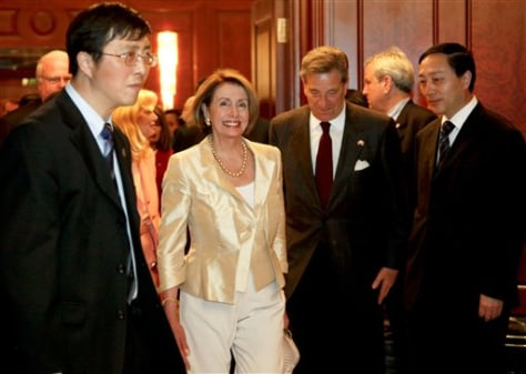 Image: Nanacy Pelosi in China