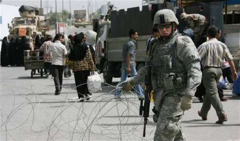 IMAGE: US SOLDIER AT BAGHDAD CHECKPOINT