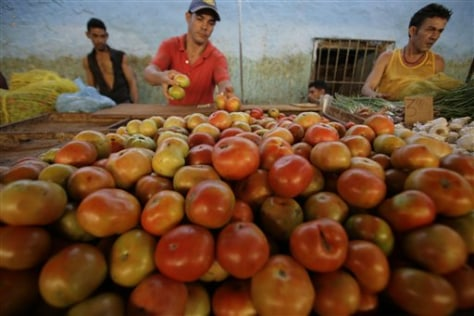 Image: Tomato vendor in Cuba