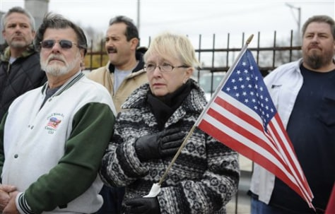 Image: Supporters of slain Chicago soldier