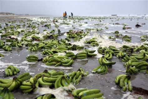 IMAGE: BANANAS ON BEACH