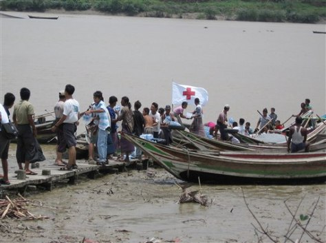 IMAGE: WATER DISTRIBUTED NEAR YANGON