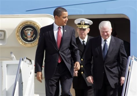 Image: Barack Obama, left, Michael Mullen and Robert Gates