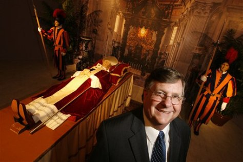Image: Robert Boetticher, Vice Chairman and President of the National Museum of Funeral History