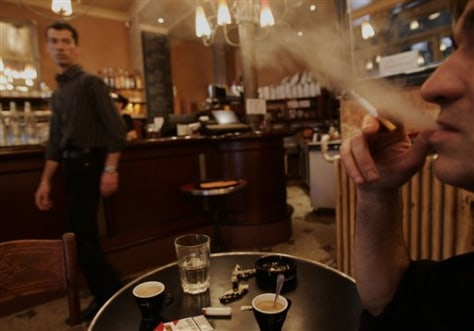 IMAGE: SMOKER IN FRENCH RESTAURANT