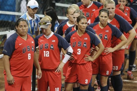 Image: U.S. softball players