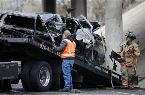Image: SUV wreckage