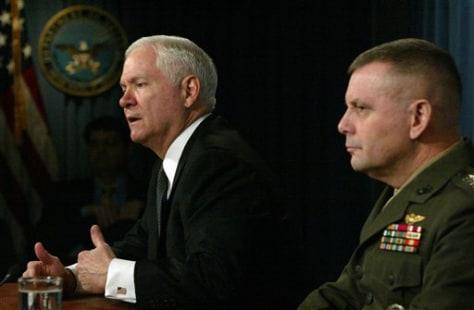 Image: Defense Secretary Robert Gates