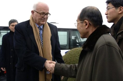 Image: Stephen Bosworth and North Korean official