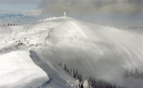 Image: Utah mountain where snowmobilers died