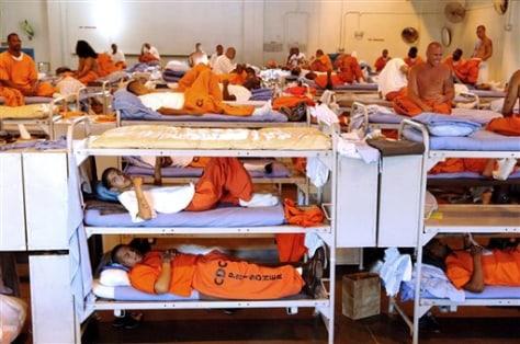 Image: prison inmates