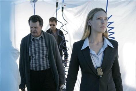 """Image: """"Fringe"""" cast"""
