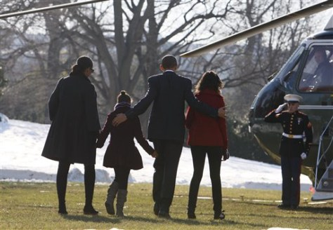 Images: Obamas on White House lawn
