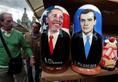 Image: Russian dolls depicting Obama, Medvedev