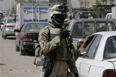 IMAGE: IRAQI SOLDIER