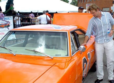 """Image: Schneider and the """"General Lee"""""""