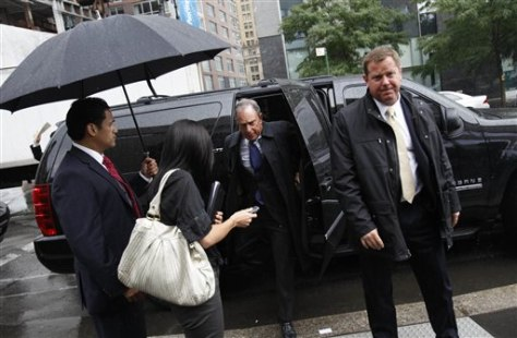 Image: Bloomberg gets out of SUV