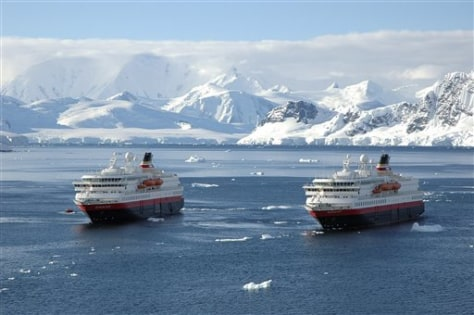 Image: Antarctica tourism