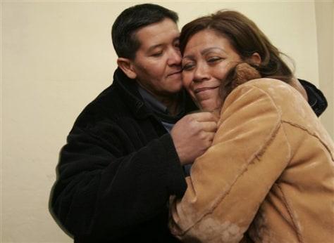 Image: Jesus Alejandro Martinezkisses Blanca Estigarribia